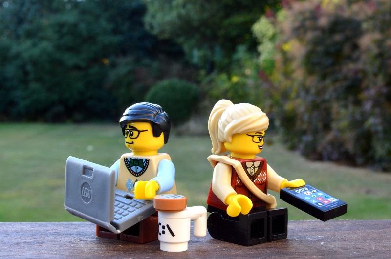 Các nhân vật LEGO được tạo ra như thế nào?